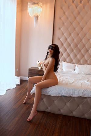 4254_girl1462575892_image.jpg